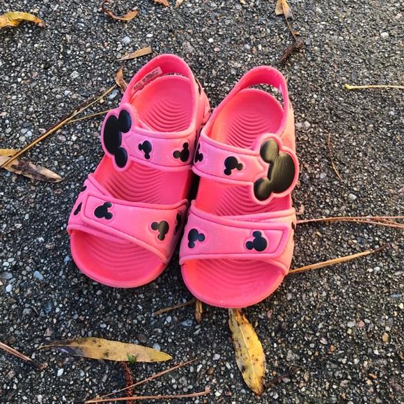 Adidas Mickey Altaswim toddler size 6